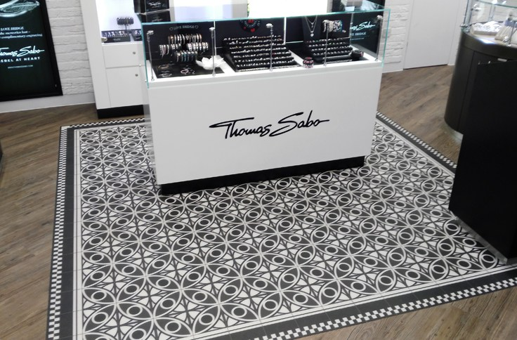 printed G floor graphic install